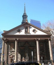 395px-St_Paul's_Chapel_sunny_jeh
